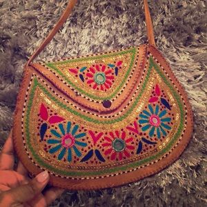 Handbags - Gorgeous Embroidered Shoulder Purse